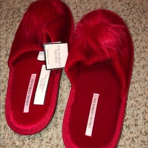 Medium slippers by PINK